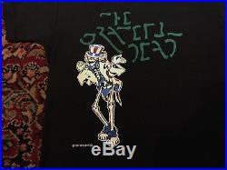 Vintage 1977 Grateful Dead (Movie Promo) T-Shirt Round Reels